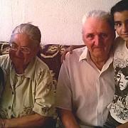 mama si tata la 75 de ani pentru nepoatele lor corina si teodora