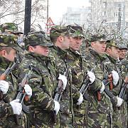 militarii politistii jandarmii si pompierii au defilat in marile orase
