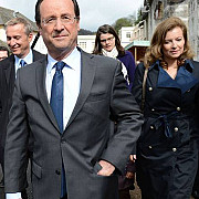 franta francois hollande invingator in primul tur al prezidentialelor