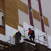 udrea vrea sa reabiliteze termic peste 250000 de apartamente