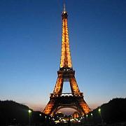 turnul eiffel implineste 123 de ani