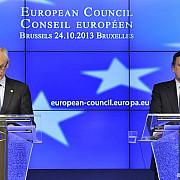 uniunea europeana amana modificarea politicii de migratie si azil