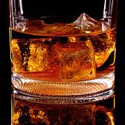 romanii au cumparat un milion de litri de whisky de sarbatori