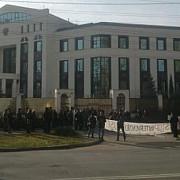 protest la ambasada rusiei la chisinau fata de presiunile asupra scolilor romanesti din transnistria