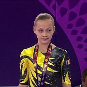 andreea iridon fetita de 15 ani care tine gimnastica romaneasca in viata