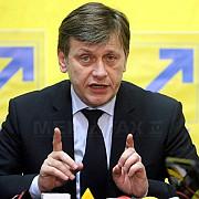 antonescu propune ca europarlamentarii pnl sa adere la grupul ppe din pe