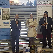 ploiesteanul mihai apostolache premiat la targul international de carte gaudeamus