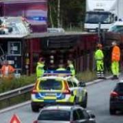un autocar cu romani evacuati dintr-o tabara din stockholm a fost implicat intr-un accident