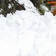 avalanse in masivul fagaras zapada are un metru si jumatate la balea lac