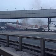 avion in flacari pe aeroportul din moscova patru persoane au murit