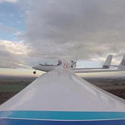 primul avion din lume propulsat de un motor hibrid a fost testat cu succes