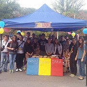 tinerii moldovei anunta retragerea din piata marii adunari nationale din chisinau