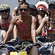ziua mondiala a biciclistilor dezbracati sarbatorita in portland