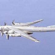 rusii si-au trimis bombardierele in zona arctica