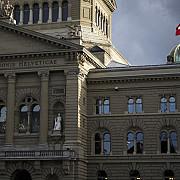 incepand de ieri romanii pot lucra legal in elvetia