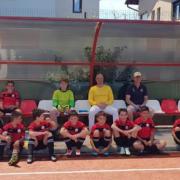 primarul alin moldoveanu alaturi de micii fotbalisti de la cs campina