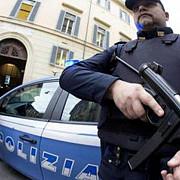 italia patru persoane au murit dupa ce un barbat a deschis focul de la balconul locuintei