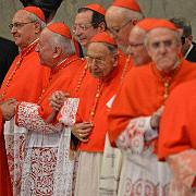 prima reuniune a cardinalilor pentru pregatirea conclavului