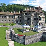 aproximativ 180000 de persoane au vizitat anul trecut castelul cantacuzino din busteni