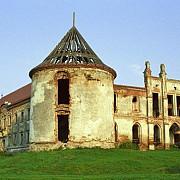 un castel ruinat din romania a reusit sa atraga zeci de mii de turisti