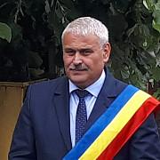 constantin chioveanu primarul comunei ceptura candideaza pentru un nou mandat ca independent