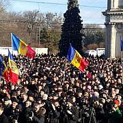 mii de moldoveni cer la chisinau alegeri anticipate