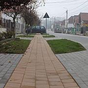 o comuna din romania cu toate drumurile asfaltate pista de biciclete internet wireless gratuit