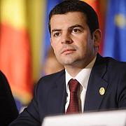 alde ameninta guvernul cu o motiune simpla pe tema fondurilor europene