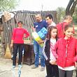 lectie de viata 26 de elevi campineni de la scoala bp hasdeu au pus piatra de temelie a casei unei familii din comarnic