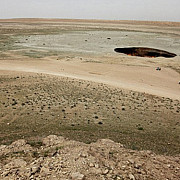 usa catre iad craterul din desert care arde de peste 40 de ani - video