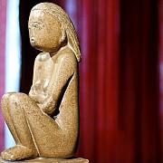 ministerul culturii nu renunta la cumintenia pamantului