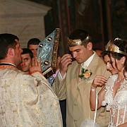 vrei sa te casatoresti preotul rezolva tot