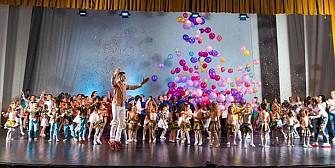 bucuria dansului pe scena casei de cultura a sindicatelor din ploiesti