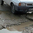 ins aproape 40 din drumurile romaniei sunt pietruite si de pamant