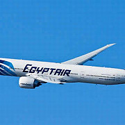 un zbor egyptair intre paris si cairo a disparut de pe radar