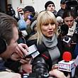 udrea a strans 10000 de semnaturi pentru a candida ca independent la alegerile parlamentare