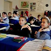 elevii merg la scoala sambata pentru a recupera zilele de 2 si 3 mai