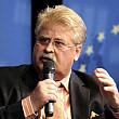 un europarlamentar din germania vrea amprentarea imigrantilor