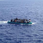 cel putin zece imigranti gasiti morti pe mare in largul coastelor libiene