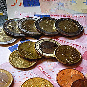 cand ar putea trece romania la moneda euro