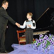 un copil roman de 12 ani e unul dintre cei mai buni pianisti din lume
