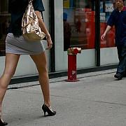 cu cat fusta e mai scurta cu atat sfarsitul recesiunii este mai aproape