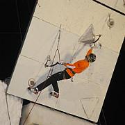 busteni a inceput cupa mondiala de escalada pe gheata