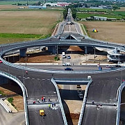 giratoriul suspendat de la paulesti deschis circulatiei rutiere