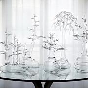 obiecte din sticla transformate in opere de arta