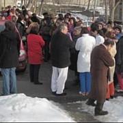 greva spontana la spitalul judetean tulcea sute de oameni nemultumiti de salariile mici