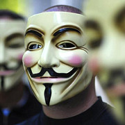 reteaua de hackeri anonymous ii declara razboi total lui donald trump