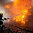 locomotiva unui tren de marfa cu 43 de vagoane a luat foc in mers
