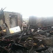 dezastru la magurele doua locuinte au ars 8 persoane au ramas pe drumuri oamenii au nevoie de ajutor