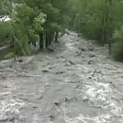 cod portocaliu de inundatii in opt judete din romania